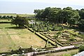 Dunrobin Castle Garden 2.jpg