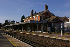 Earlswood (Surrey) railway station - The main platform at Earlswood station