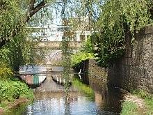 Edinbugh canal.jpg
