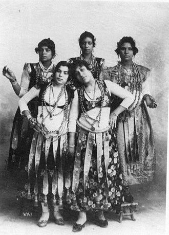 Ghawazi - Photograph of a Ghawazi troupe (c. 1880)