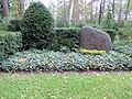 Ehrengrab Potsdamer Chaussee 75 (Niko) Erwin Piscator.jpg