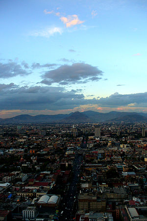 Español: México, D. F. - Eje Central Lázaro Cá...