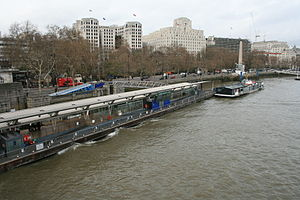 Embankment Pier - Image: Embankment pier 4