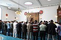 Første fællesbøn i den nu åbne moske i Allehelgensgade (42033489161).jpg