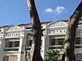 Facade of Raffles Hotel - Singapore (35543226882).jpg