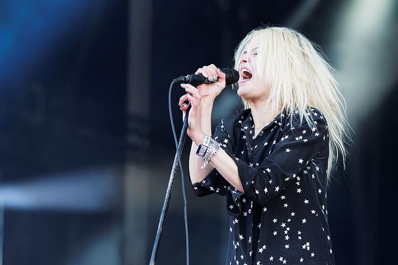 File:Festival des Vieilles Charrues 2016 - The Kills - 009.jpg
