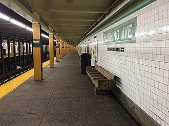 Flushing Avenue (IND Crosstown Line) - Queens bound platform