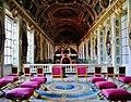 Fontainebleau Château de Fontainebleau Innen Dreifaltigkeitskapelle Empore 2.jpg