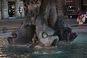 Fontana del Tritone, Rome - Fontana del Tritone fish heads