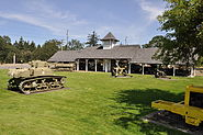 Fort Lewis Military Museum - tanks in yard 02