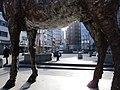 Free-standing sculpture Mann mit Hirsch by Stephan Balkenhol at Schillerstraße-Andreaestraße in Hannover, Germany (109).jpg