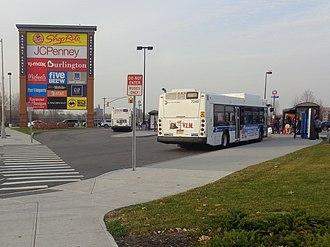 Gateway Center (Brooklyn) - The bus terminal at Gateway Center North.