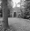Gebouwde ruïne in tuin achter het huis - Ridderkerk - 20037393 - RCE.jpg