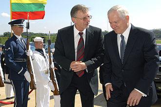 Gediminas Kirkilas - Gediminas Kirkilas and Robert M. Gates, 1 July 2008.