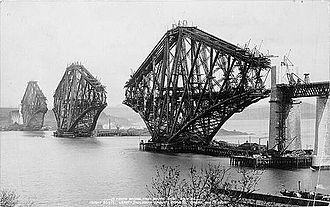 Forth Bridge - The bridge under construction