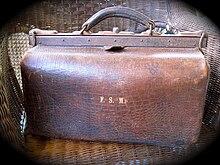 4ab3756c2 Gladstone bag - Wikipedia