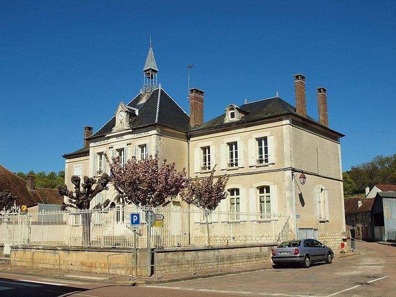 Mairie de Gy-l'Évêque (Yonne, France)