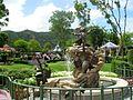 HKDL Fantasy Gardens Fountain 2005.jpg