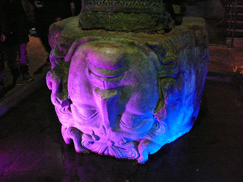 Dosya:Head of Medusa, Basilica Cistern, Constantinople 01.jpg