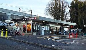 Hemel Hempstead railway station - Image: Hemel Hempstead railway station (geograph 2216544)