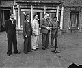 Hoge Veluwe Conferentie Nederlands Indië, van links naar rechts Soedawono, Soew, Bestanddeelnr 901-6514.jpg