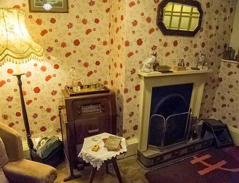 File:Hughenden Manor (6930212080).jpg
