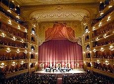 13 - Teatro Colón interior