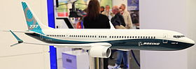 Modellino in scala del 737 MAX 9 alla Fiera dell'aviazione di Berlino del 2012
