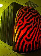 """""""Iamus"""", ein Rechner zur Partitursynthese an der Universität von Malaga (Spanien)"""