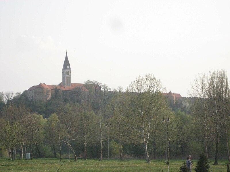 Grad Ilok 800px-Ilok-Festung-2009