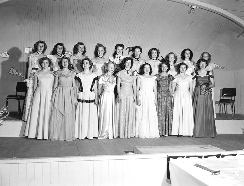File:Informal party dress award winners, 1949 (5857902035).jpg