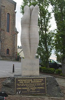 InternationalScoutingOnePennyMonumentInWiltz.jpg