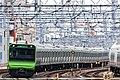 JRE E235 series Yamanote Line 2017-11-20 (38810795341).jpg