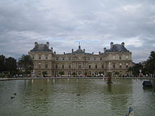 pool and palace - Jardin Du Luxembourg Paris