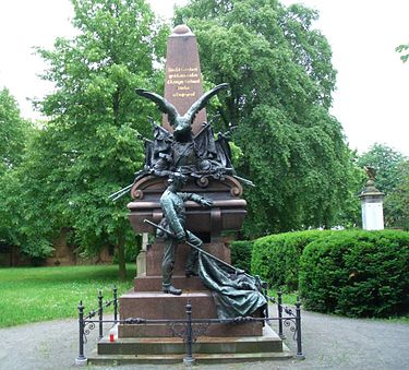 One of many German war memorials in Berlin to the dead of the Franco-Prussian War of 1870-71, by Johannes Boese Johannes Boese-Kriegerdenkmal-Mutter Erde fec.jpg