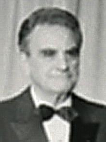 Джон Сирика (Библиотека Джеральда Форда) .png