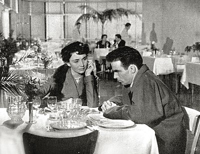 Jones and Montgomery Clift in Terminal Station (1953) Jones+clift ristorante.jpg