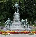 Josef-Werndl-Denkmal in Steyr 2005.jpg