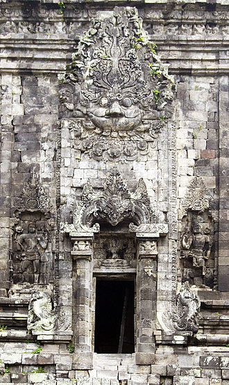 Kalasan - The giant Kala's head on the southern door