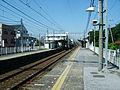 Keisei-chiba-line-Kemigawa-station-platform.jpg