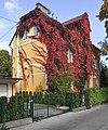 Klagenfurt Tarviser Strasse 96 herbstliche Villa 07102008 1189.jpg