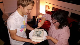 Kontor Hamburg 15 years Wikipedia Cake.jpg