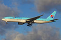 Korean Air B777-200 HL7575 at SVO 16-Nov-2011.jpg