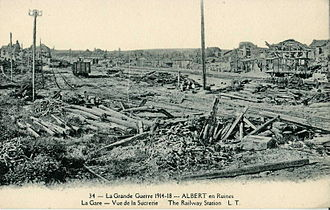 Albert, Somme - The destruction of Albert during the First World War. Here the railway station.