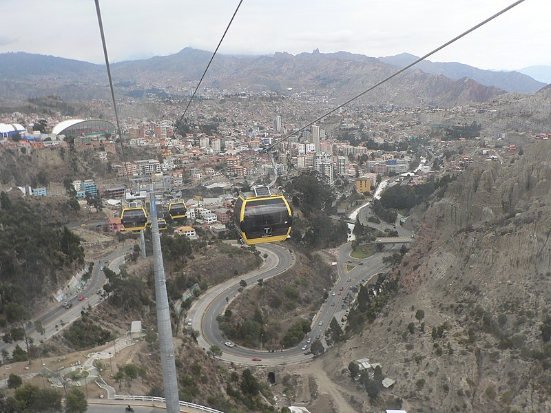 File:La Paz, Teleferico- Linea Amarilla.JPG
