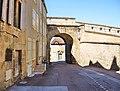 Langres. Porte de l'hôtel de ville, vue de l'intérieur.jpg