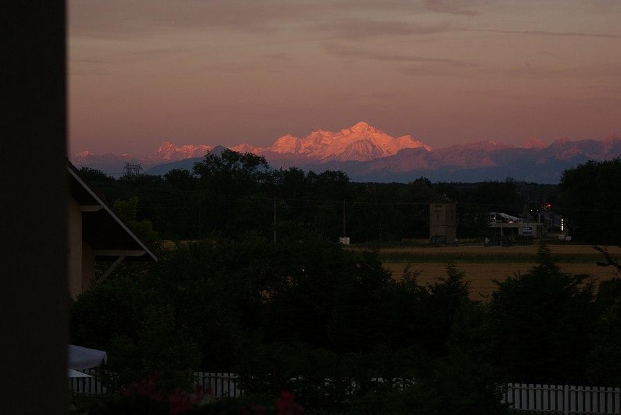 Le Mont Blanc au coucher du soleil