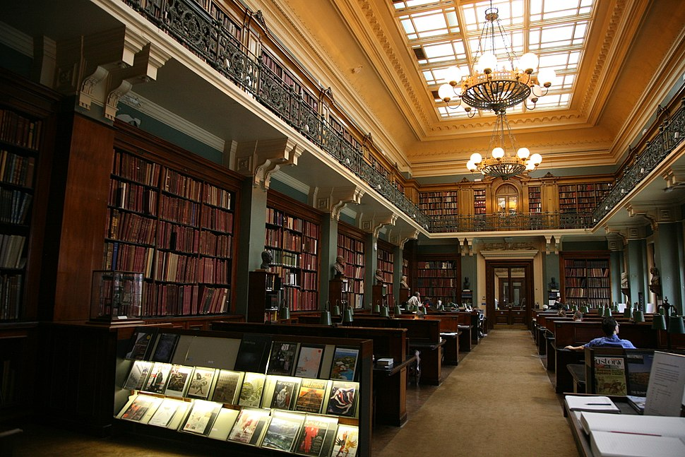 London-Victoria and Albert Museum-Library-01