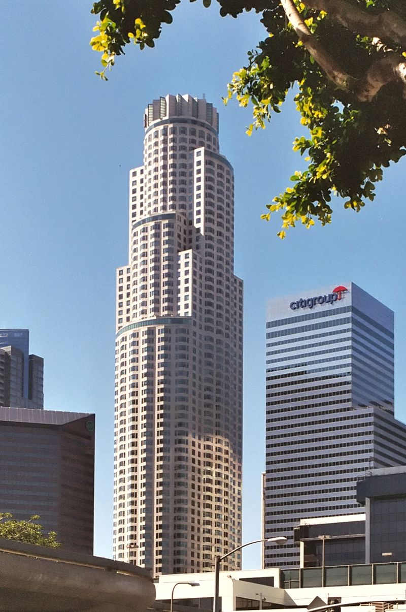 800px-Los_Angeles_Library_Tower_(small)_