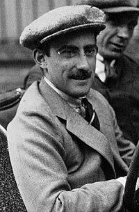 Louis Zborowski at the 1922 French Grand Prix (2) (cropped).jpg